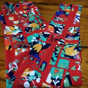 Lularoe OS lively abstract floral leggings!